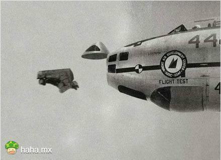 人间大炮<br/><br/>早期B47向前弹射飞行员的弹射方式